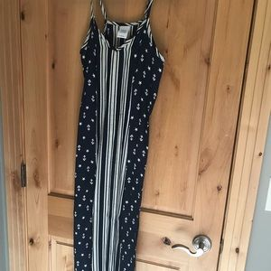 Blue and white, star-striped maxi dress with slits